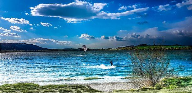 Kitesurfing-Vis-co-je-to-za-kite-spot (1)-Poznáš svůj kite spot?