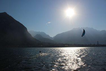 Kitesurfing - Lago di Como a tak