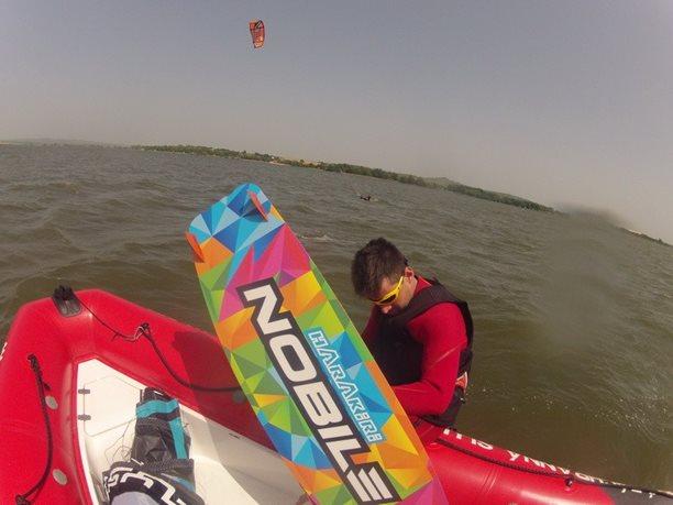 kiteboarding-kurz-hluboka-voda-na-clunu-jizni-morava-nove-mlyny-palava-9.JPG