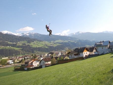 kitetrip-snowkiting-bernina-pass-swis-02.JPG