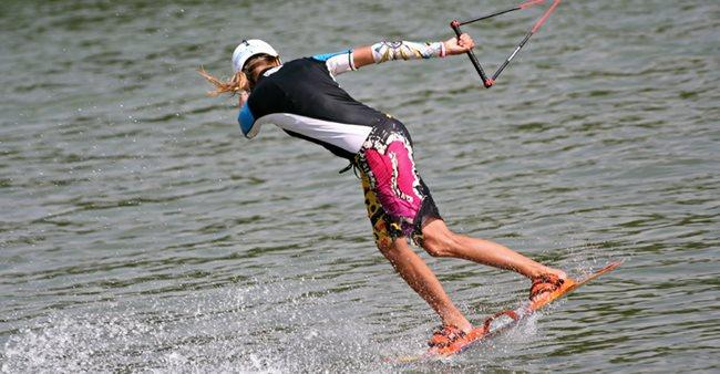 Wakeboarding trenal na kite