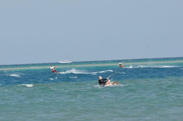 HARAKIRI kite kurzy Hurgada Egypt tahosh flysurfer 23.JPG