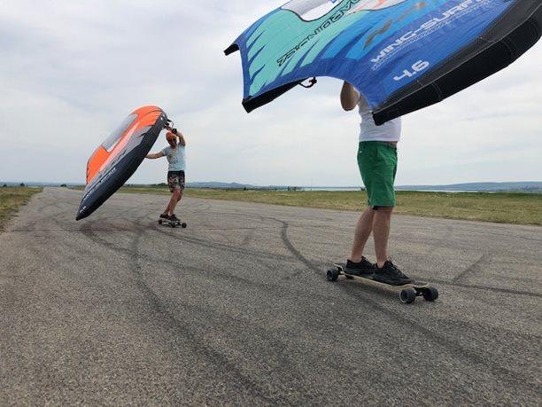 Wing-boarding-Naish-Wing-boarding-Tour-2020-Naish Wing-boarding Tour 2020 - letiště Popice