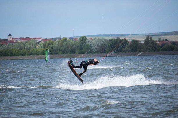 Kitesurfing-Nedela-na-Mlynech-