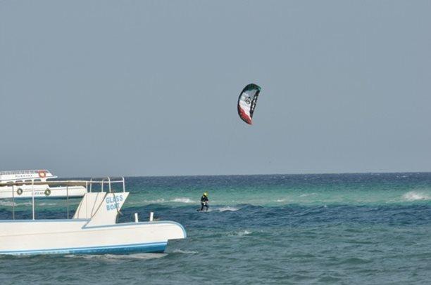 HARAKIRI kite kurzy Hurgada Egypt tahosh flysurfer 38.JPG