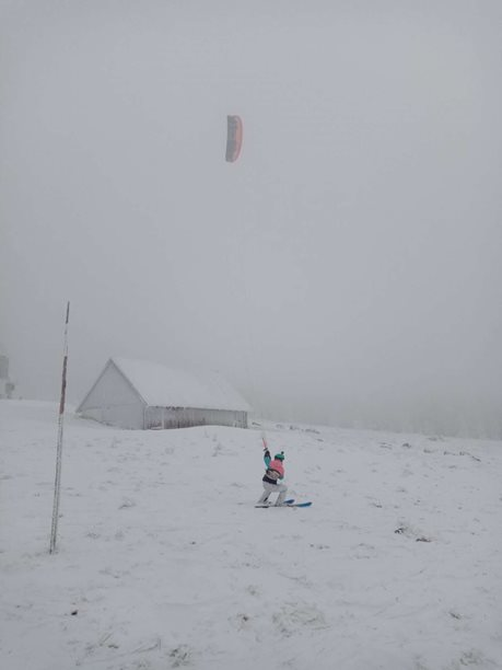 Snowkiting-Kite-session-v-krkonosich-