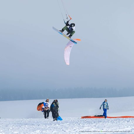 Snowkiting-Moldava-cross-country-2020-