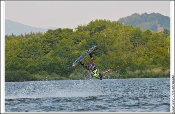 wake_vlek_straz_pod_ralskem_kite_kiteboarding_snowkiting_landkiting_nobile_naish_flysurfer_36.jpg