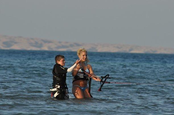 HARAKIRI kite kurzy Hurgada Egypt tahosh flysurfer 41.JPG