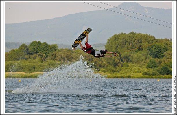 wake_vlek_straz_pod_ralskem_kite_kiteboarding_snowkiting_landkiting_nobile_naish_flysurfer_34.jpg