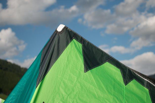 Kitesurfing-fototest-kite-2019-20-NAISH-DASH-