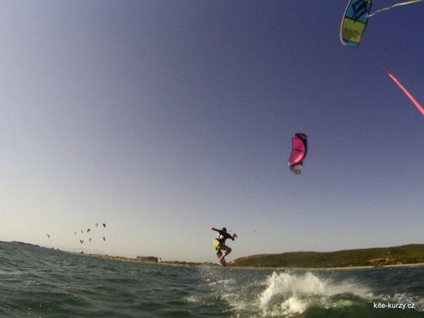 kiteboarding-kite-kurzy-harakiri-lefkada-lefkaz-18.JPG