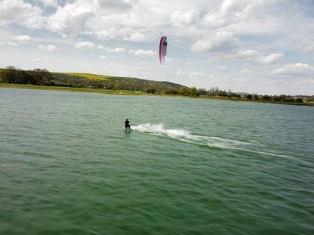 Kitesurfing-Uterni-home-office-