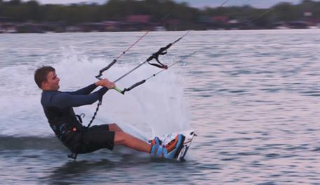 Kitesurfing-Kiteboarding-in-Montenegro-Montenegro kiteboarding