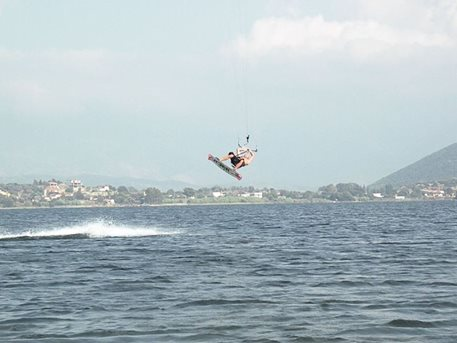 Juro_testuje_Flysurfer_Speed_2_SA_19m_07.JPG