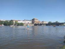 Paddleboarding po Praze