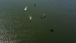 Kitesurfing-Jaro-v-okresu-