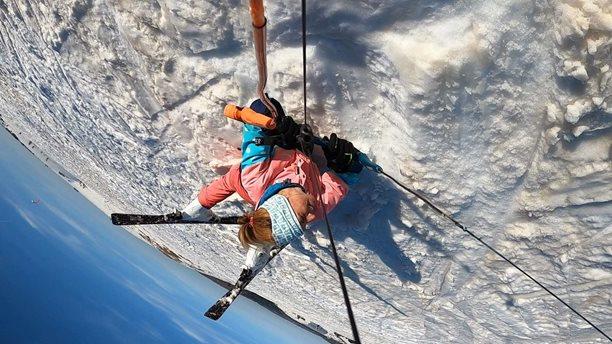 Snowkiting-Milovana-Moldava-No co no. Ne vždycky ten jump vyjde :-D