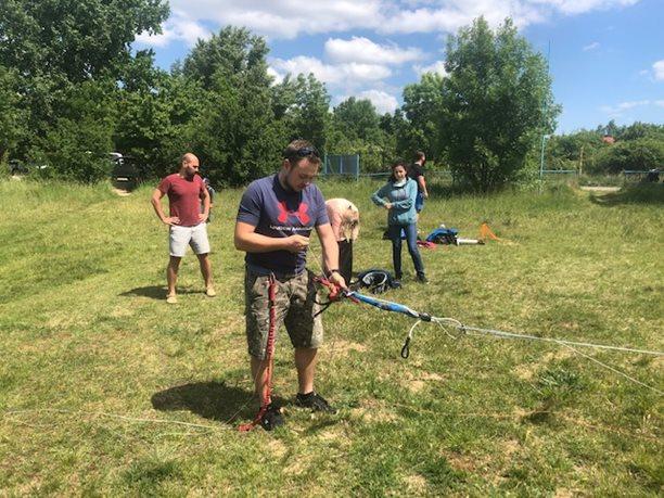 Kitesurfing-KITE-KURZ-NA-HLUBOKE-VODE-