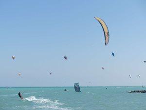 Kitesurfing-Fotky-z-testu-FLYSURFER-SOUL-SONIC-II-a-SONIC-III-