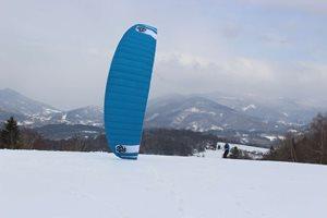 Snowkiting-okolo-komina-
