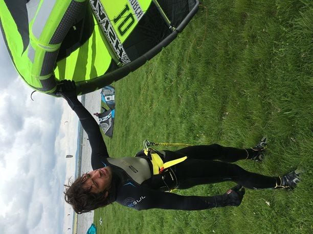 Kitesurfing-Musov-v-primem-prenosu-