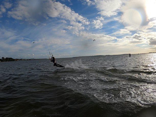 Kitesurfing-Podzimni-Rujana-Dark slide