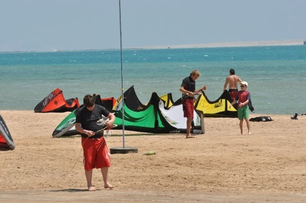 HARAKIRI kite kurzy Hurgada Egypt tahosh flysurfer 05.JPG