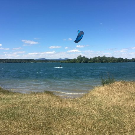 Kitesurfing-Ostrozsky-top-pojezd-novy-naish-dash-