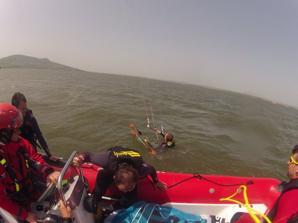 kiteboarding-kurz-hluboka-voda-na-clunu-jizni-morava-nove-mlyny-palava-13.JPG