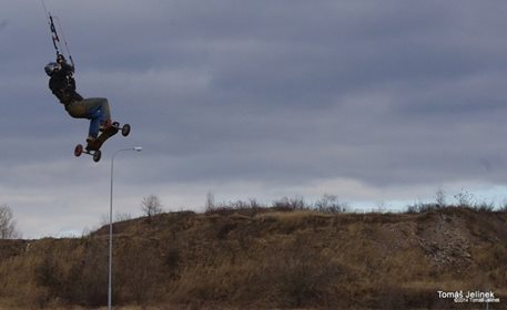 brno-landkiting-slatina-lk-land-kite-05.JPG