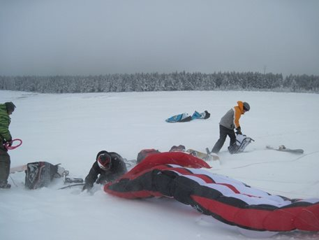 snowkiting_sandra_a_tahosh_snow_kite_flysurfer_snowkite_speed_3_pulse_2_04.JPG
