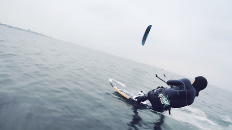 Kitesurfing-Baltic-coast-team-kiting-Flysurfer-Sonic-FR-Baltic_Kiteboarding_flysurfer_Poland