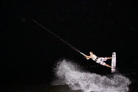 harakiri_kiteboarding_Agios_Nikolaos_night_kite_03.JPG