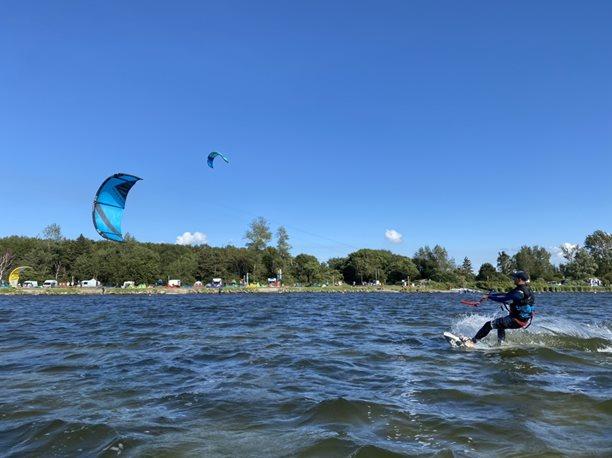 Kitesurfing-Kiteboard-flysurfer-Rush-
