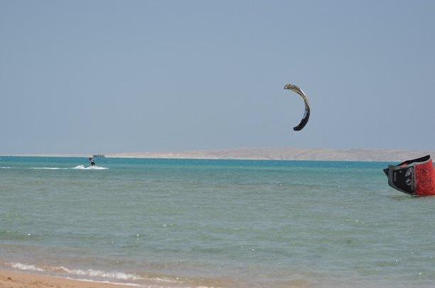 HARAKIRI kite kurzy Hurgada Egypt tahosh flysurfer 09.JPG