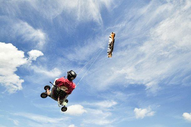 lukash_tomex_kiteboarding_snowkiting_landkiting_naish_flysurfer_nobile_DSC_4531.jpg