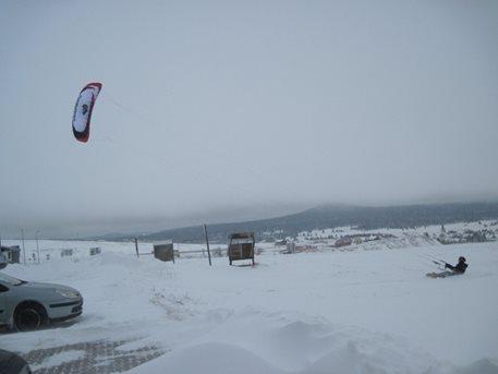snowkiting_sandra_a_tahosh_snow_kite_flysurfer_snowkite_speed_3_pulse_2_01.JPG