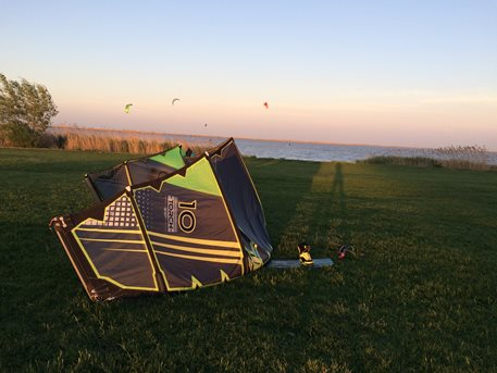 Kitesurfing-1-maj-na-Madarske-strane-Neusidler-See-Fertorakos-