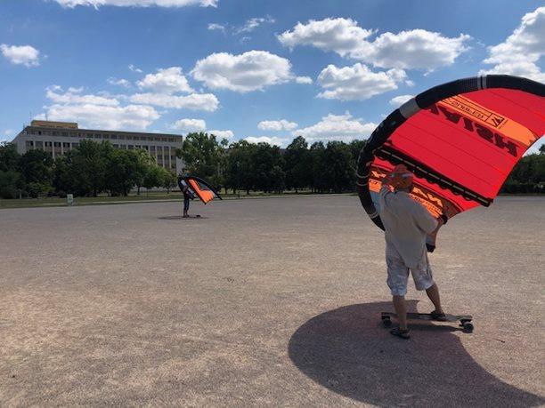 Wing-boarding-Praha-Letna-Wing-skateboarding-