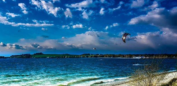Kitesurfing-Vis-co-je-to-za-kite-spot (1)-Co je to za kite spot?