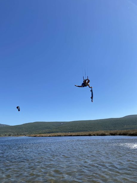 Kitesurfing-Nobile-NHP-twintip-split-foil-board-