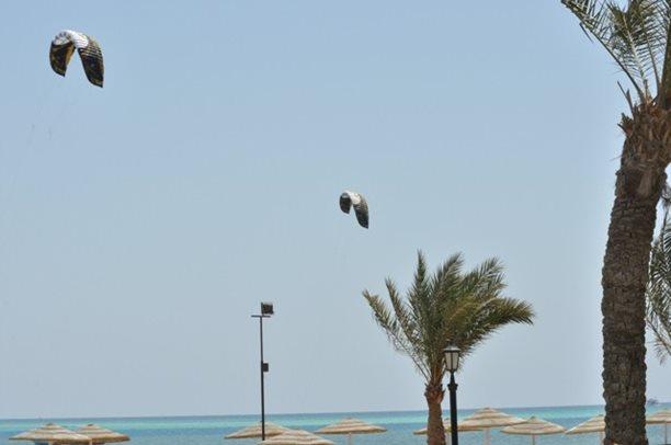 HARAKIRI kite kurzy Hurgada Egypt tahosh flysurfer 03.JPG
