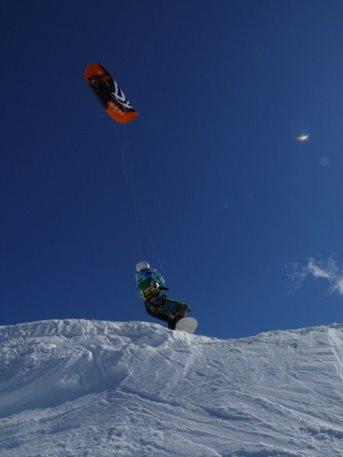 kitetrip-snowkiting-bernina-pass-swis-01.JPG