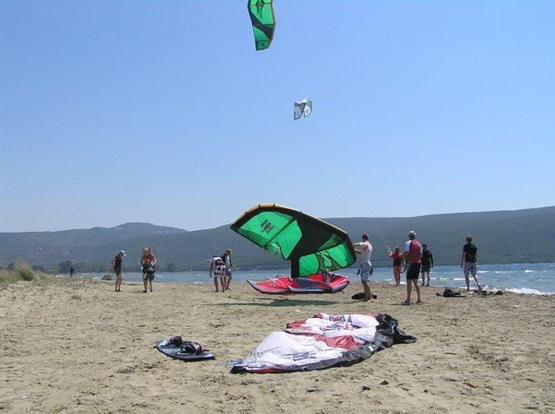 08-harakiri-kiteboarding-kurz-lefkada-31.JPG