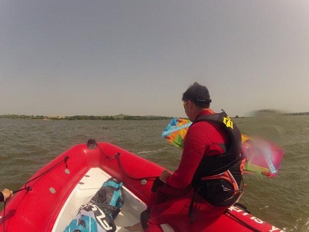 kiteboarding-kurz-hluboka-voda-na-clunu-jizni-morava-nove-mlyny-palava-10.JPG