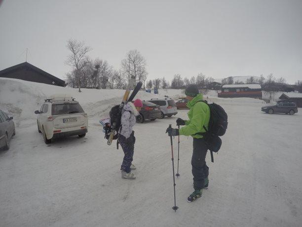 Harakiri_snowkiting_trip_Norsko_Geilo_parkoviste.JPG