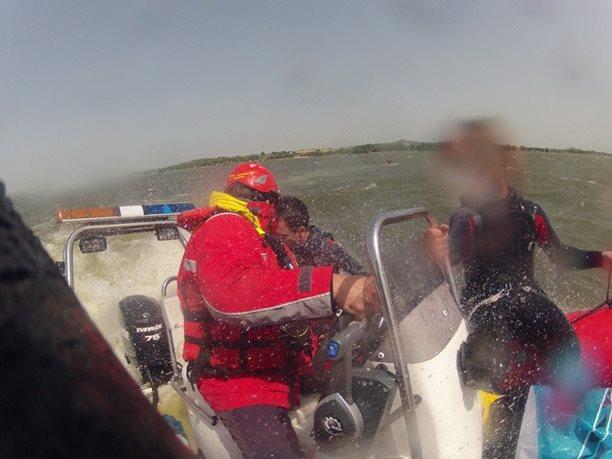 kiteboarding-kurz-hluboka-voda-na-clunu-jizni-morava-nove-mlyny-palava-30.JPG
