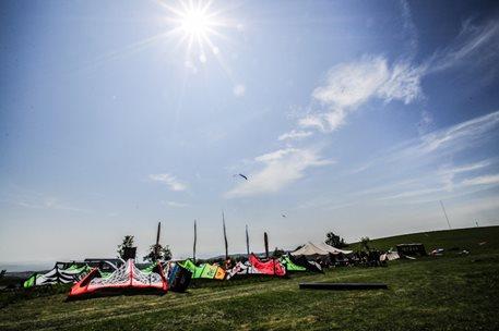 lukash_tomex_kiteboarding_snowkiting_landkiting_naish_flysurfer_nobile_DSC_8302.jpg