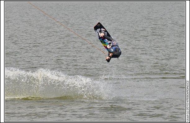 wake_vlek_straz_pod_ralskem_kite_kiteboarding_snowkiting_landkiting_nobile_naish_flysurfer_26.jpg